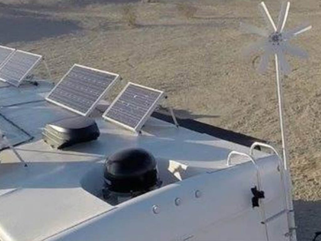 Wind & Solar for RV's for Dummies - Wind & Solar for RV's for Dummies